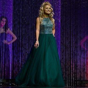 Size 2 Madison James emerald green dress